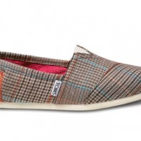 I Love TOMS Classic Shoes!