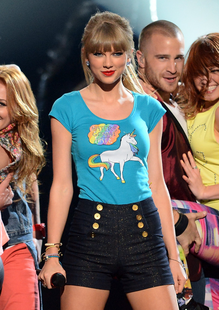 taylor-swift-junk-food-unicorn-4