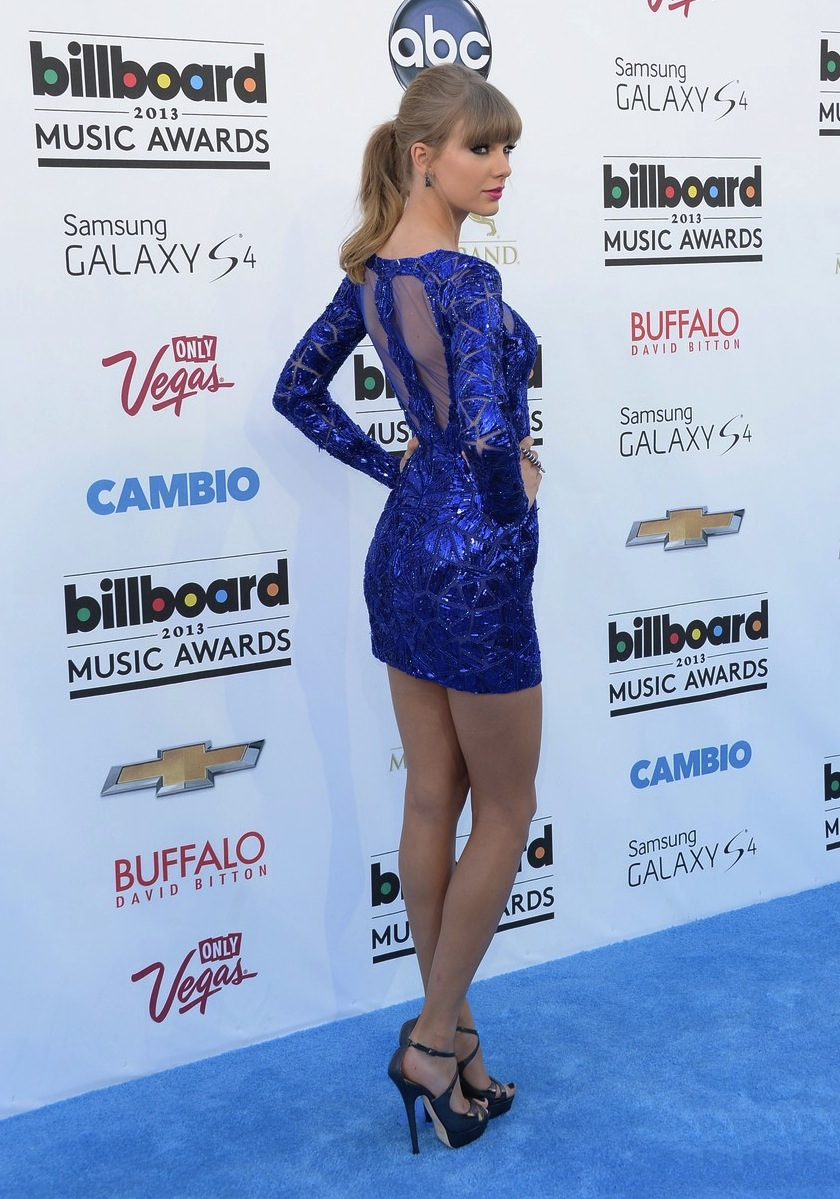 taylor-swift-zuhair-murad-billboard-2013