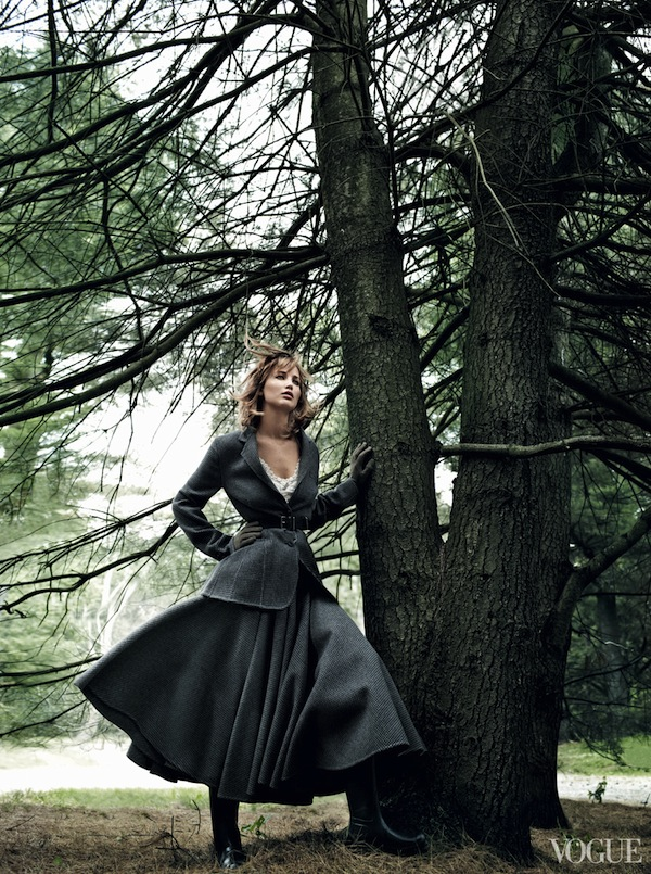 Jennifer-Lawrence-in-Vogue-US-September-2013-Editorial-2