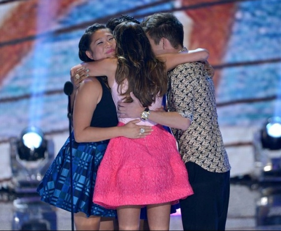 lea-michele-teen-choice-awards-oscar-de-la-renta-pink-dress-5