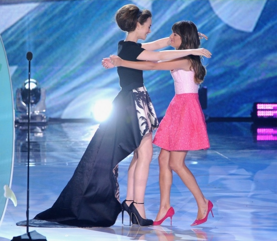 lea-michele-teen-choice-awards-oscar-de-la-renta-pink-dress