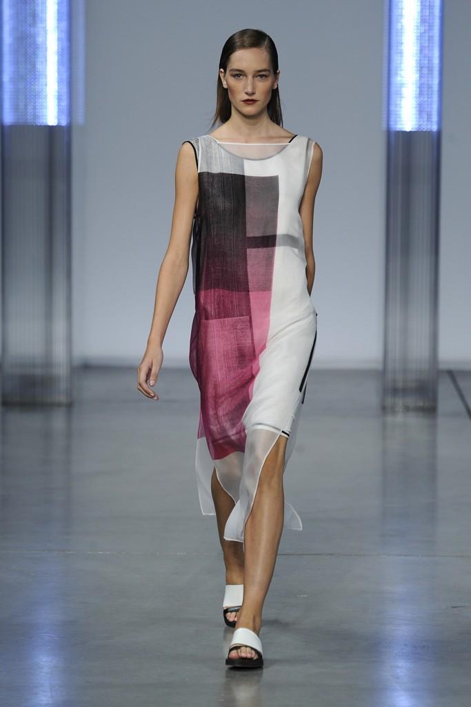 helmut-lang-rtw-ss14-fashion-week-runway 23