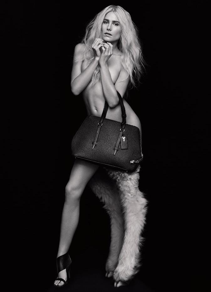 dree-hemingway-naked-nude-bag.jpg
