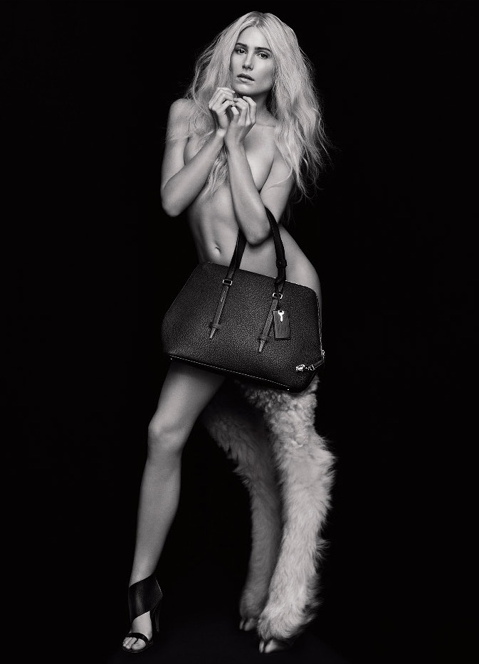 dree-hemingway-naked-nude-bag