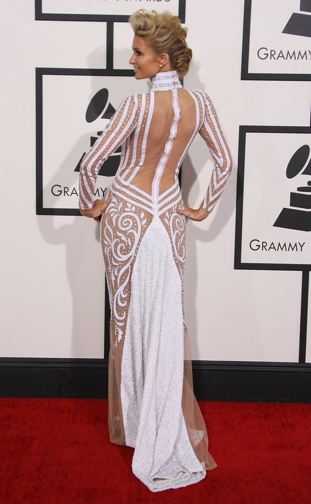 grammys-2014-paris-hilton-back