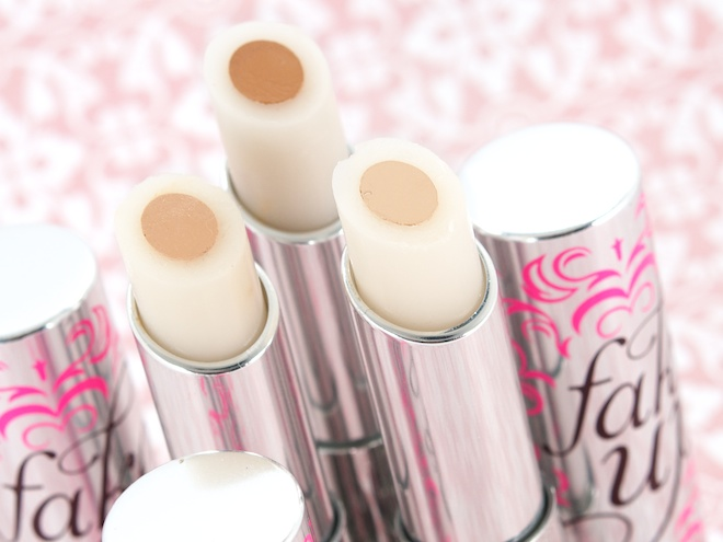Benefit-Fake-Up-Concealer