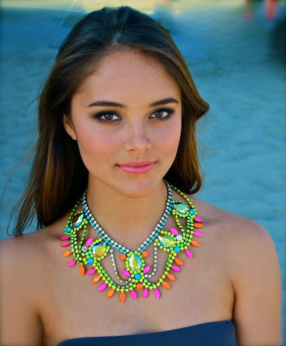 neon-collar-necklace