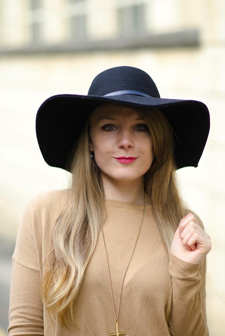 lorna-burford-black-floppy-hat