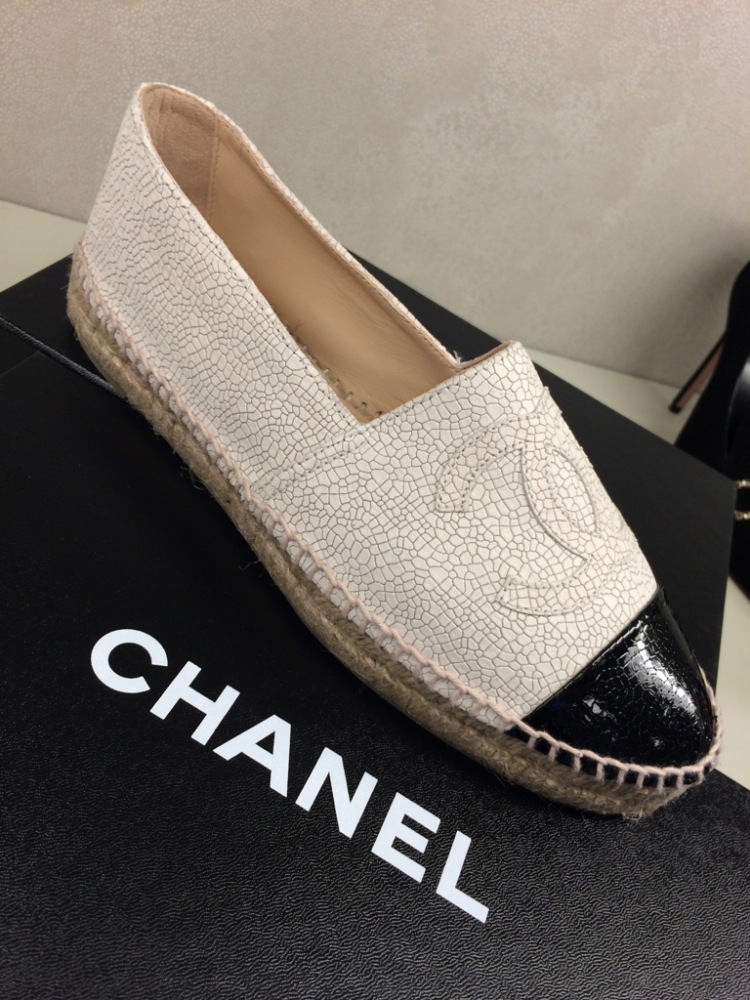 chanel-cruise-ss15-crackled-leather-espadrilles-white