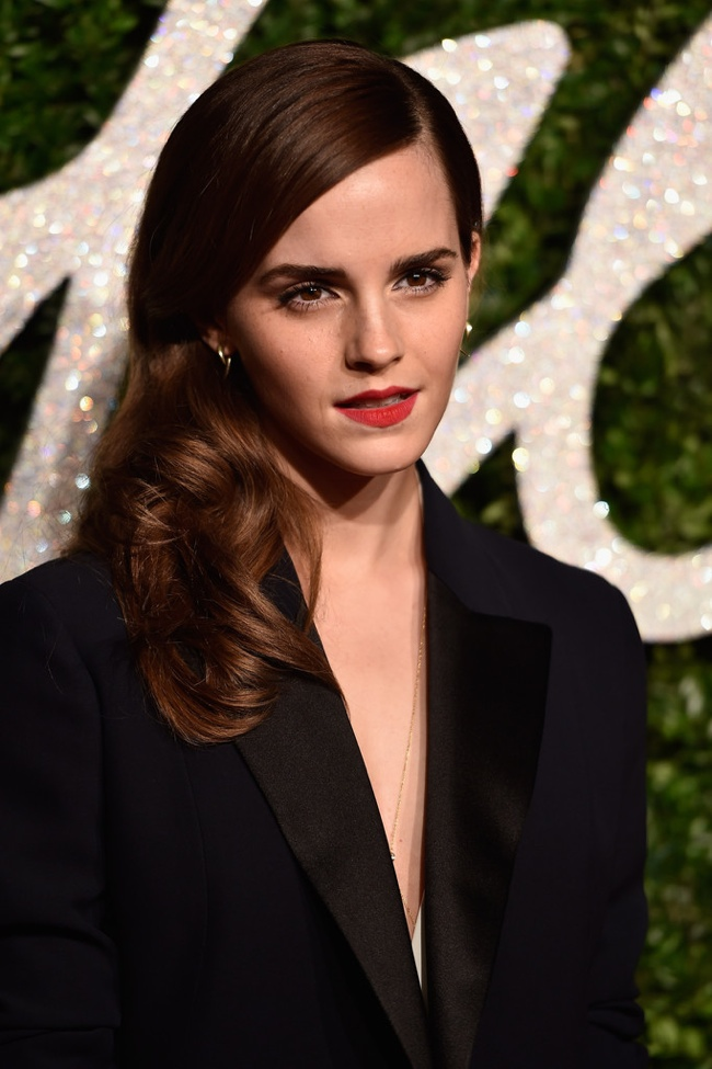 emma-watson-british-fashion-awards-dior-misha-nonoo-2