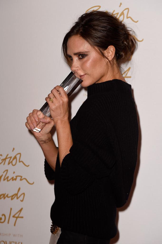 victoria-beckham-british-fashion-awards-2