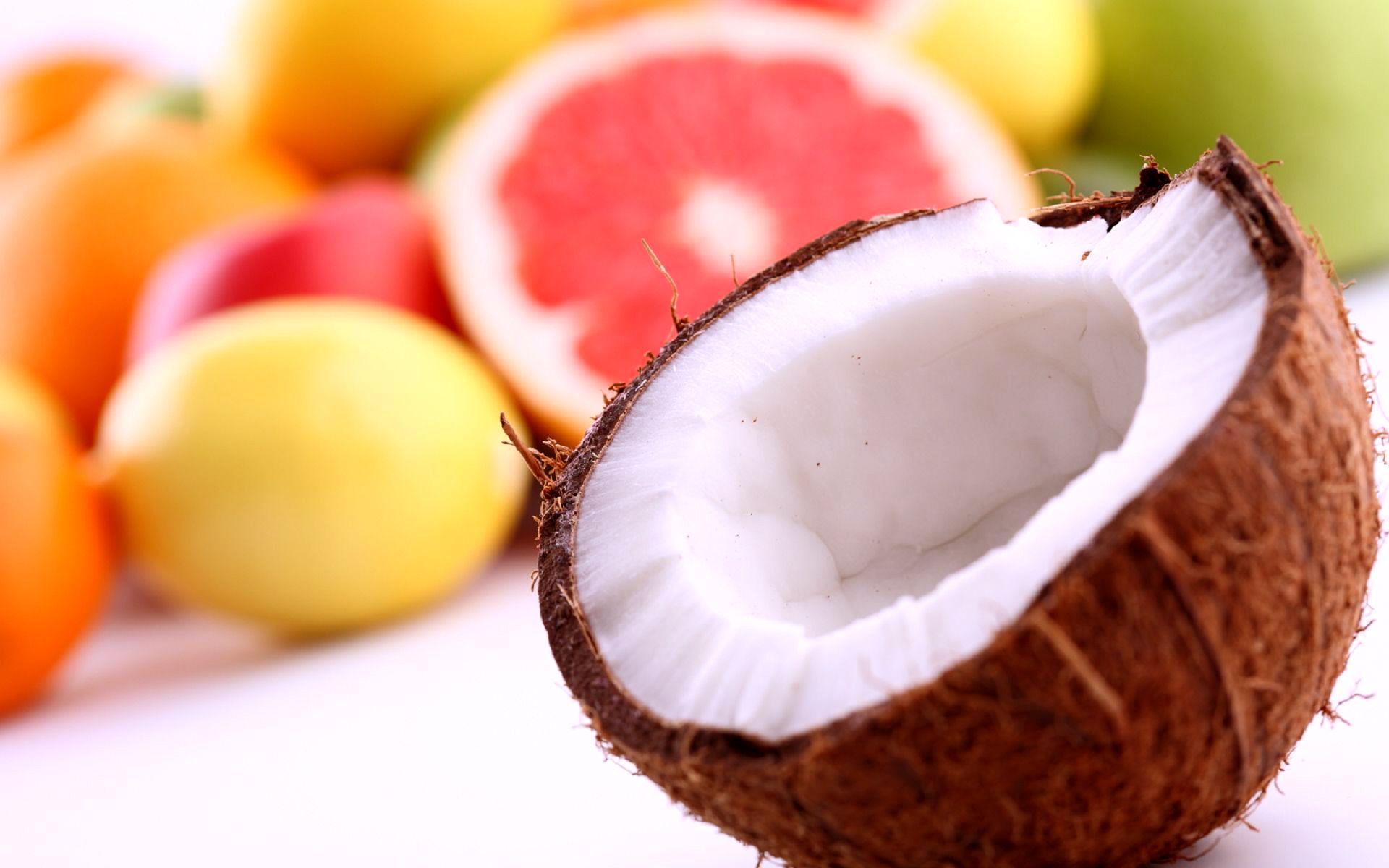 Coconut-Chuck-Fruit-Grapefruit-Lemon-Oranges