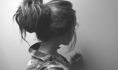 girl-hairstyle-messy-bun-style-Favim.com-619303