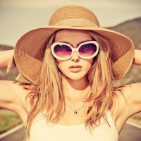 How to Look Like a Fashionista While Traveling/Flying