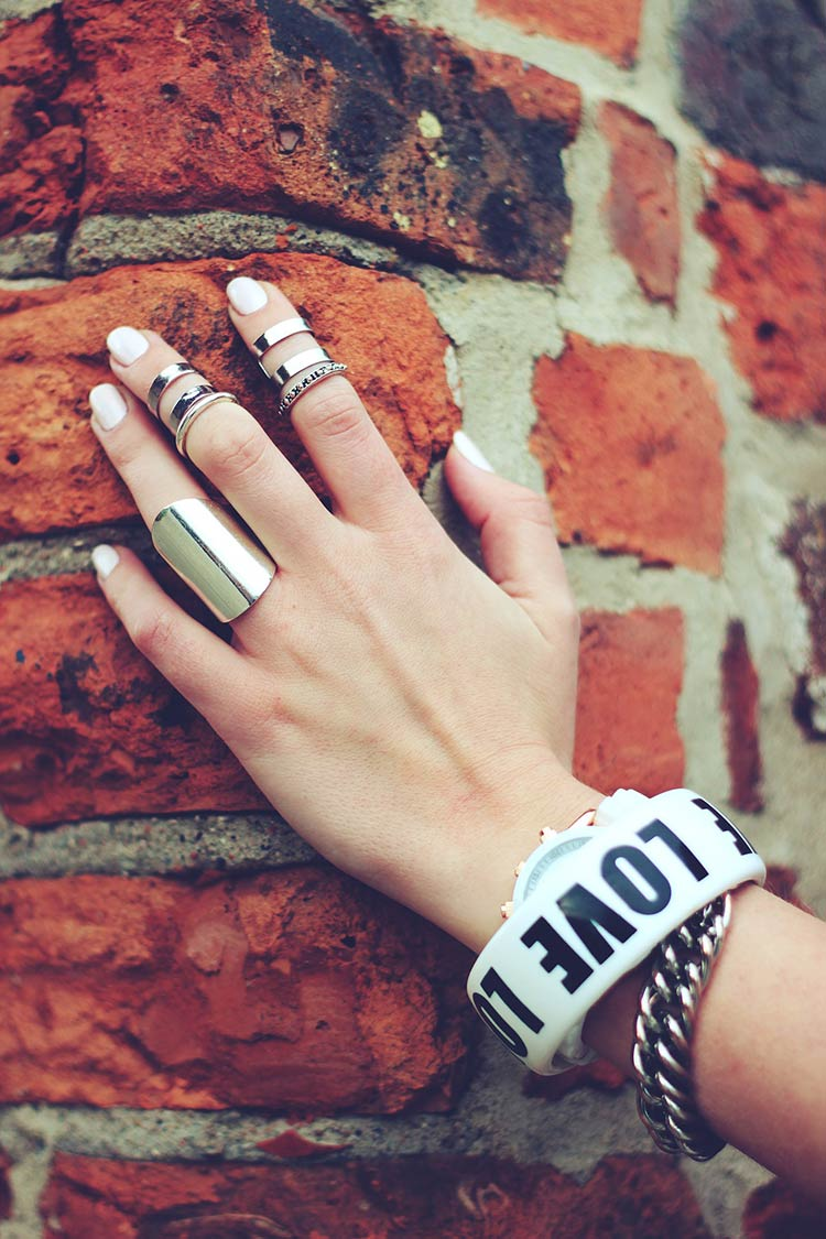 cool-girl-rings-and-bracelets