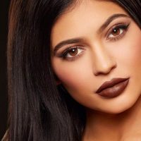 How to Achieve a Kylie Jenner Pout
