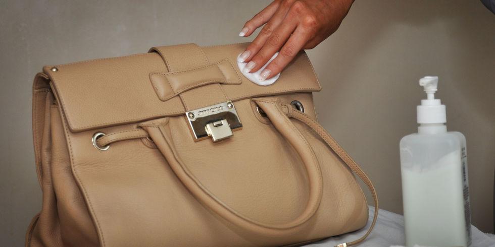 Как почистить замшевую светлую сумку в домашних  278